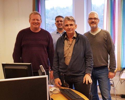 PRØVER NYTT ARRANGEMENT: Geir Ståle Plassen, Benjamin Solheim, Tor Henning Sundeng og Magnar Blix Hansen, alle markedskontakter ved Nav Tønsberg, håper mange benytter seg av den digitale jobbmessen.