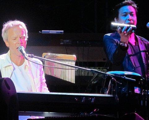 Spilleklar: Per Øystein Sørensen, vokal og keyboard, har med seg Erland Hansen på gitar, Kristian Kvaksund på bass og Geir Digernes på trommer til Signalen lørdag kveld. arkivfoto