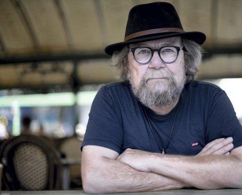Stig Holmås er ute med sin siste diktsamling, «Innom».