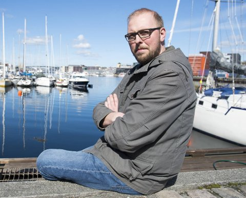 Nils Bjarte Sæle i kommunestyret i Øygarden reagerer på hemmeligholdet i saken.