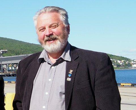 FORNØYD: Torsdag er havnedirektør Rune Arnøy og Narvik havn vertskap for et møte med fem ambassader og det norske samferdselsdepartementet. Temaet er utviklingen av togforbindelsen mellom Narvik og Kina. Arnøy er glad for at møtet har kommet i stand. – Jeg synes at det er et sterkt signal at alle de landene som bidrar til denne forbindelsen møtes her i Narvik på et såpass høyt nivå, sier Arnøy.