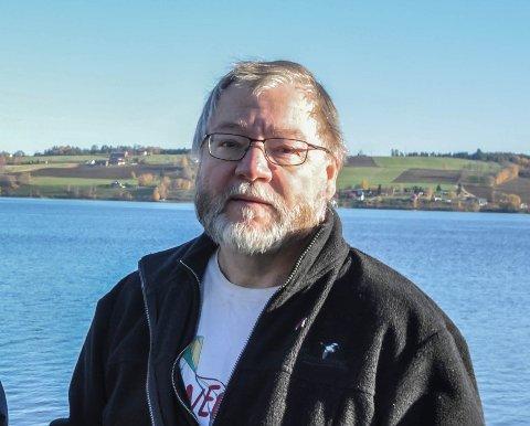 REAGERER: – At Oppland er et av fylkene som får minst støtte, er noe jeg stiller meg kritisk til, sier varaordfører Finn Olav Rolijordet.