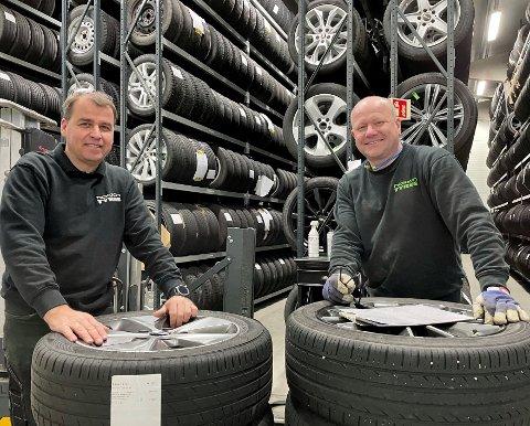 DEKK: Det er snart 15 år siden Harald André Heier (til venstre) og Morten Saug startet dekkfirma med to tomme hender.