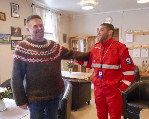 HVER TORSDAG:  Ahmad Taamari og Kåre Tangen er blant dem som møtes hver torsdag i Røde Kors-huset.