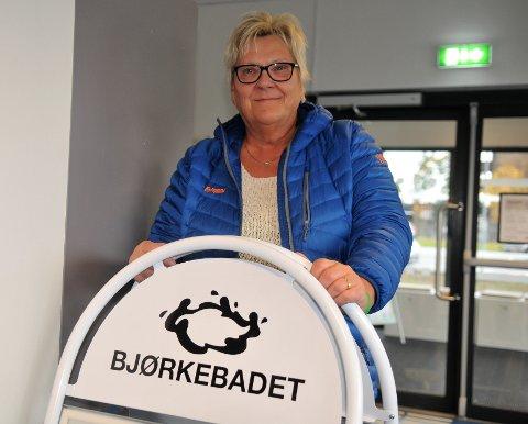 – HAR GJORT MEG GODT: – Bruken av Bjørkebadet har gitt meg en helsegevinst, sier Anni Sandaker fra Fosser.