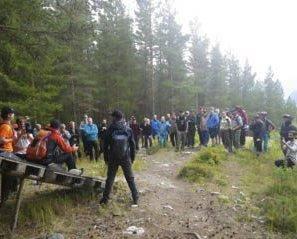 Utvikler sykkelstier: Forrige helg var deltakere fra Lofoten Ekstremsportklubb på kurs i Hallingdal for å lære seg å lage bærekraftige stier. De lærte hvordan de kan bygge opp stier av naturlige materialer som stein og sand. Foto: Jimmy Johansen