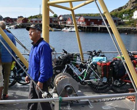"""STØRST INNTEKT: Med 8,9 millioner kroner i inntekt var Kristian Trondsen den som tjente mest i Vestvågøy. Inntekten kom etter han solgte Lofoten Oljesenter AS: Han trives som pensjonist og i sommer var han mannskap på sykkelbåten """"Ballstadgutt"""":"""