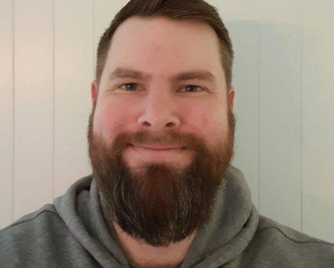 Stephan Barstrand Pettersen (36) fra Gravdal har fått jobb som ergoterapeut i Vestvågøy kommune.