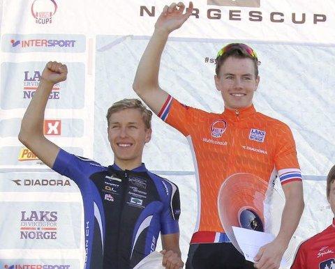 Martin Siggerud (t.h.) fra Soon CK vant den siste sprinten i årets Norgescup. Han slo klubbkompis Tobias Johannessen (t.v.)