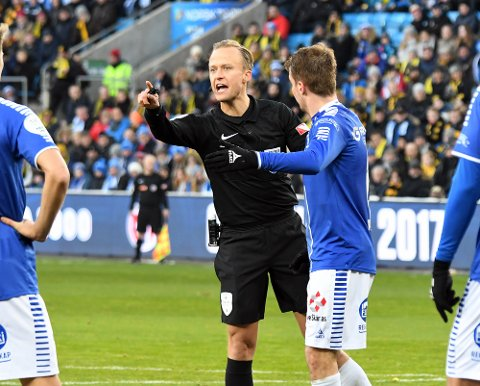 CUPFINALE: Ola Hobber Nilsen var stolt da han gikk ut på gressmatta på Ullevål Stadion under cupfinalen søndag.