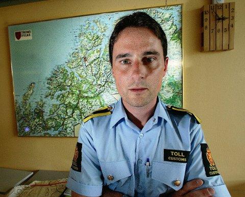 TOLL: Tom Olsen er kontrollsjef i Tollvesenet region nord. Foto: Torgrim Rath Olsen