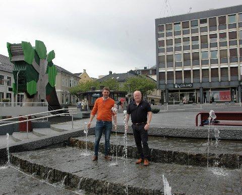 HÅPER PÅ NOK ETT ÅR MED SUKSESS: Arrangørene Espen Wingaard og Stig Eriksen gleder seg til Larvik-dagen.
