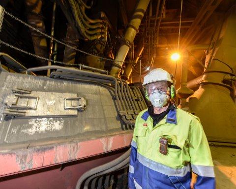 I mars stengte Ferroglobe Mangan Norway AS og leder Roar Bustnes produksjonen på en av to ovner på ubestemt tid. Nå blir ikke ovn to åpnet før tidligst i 2024.