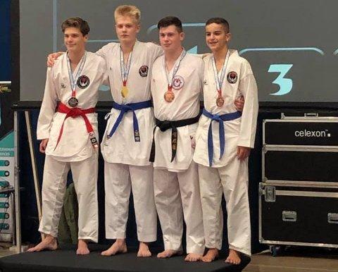 Marius Westgård øverst på pallen i karate-VM.