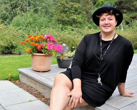 ISOLERT: – Det kjennes som en kvass influensa, sier Marie Risan om koronasmitten.