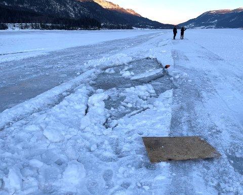 Ulykkesstedet der traktoren gikk igjennom isen.