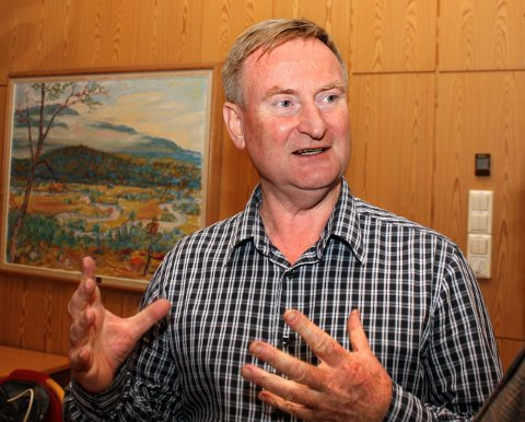 GÅR: Rådmann Johnny Pedersen i Nes.
