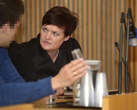 SØSKNENES ADVOKAT: Mette Yvonne Larsen. Bildet er fra rettssaken mellom de fem søsknene og Sandefjord kommune sommeren 2015.