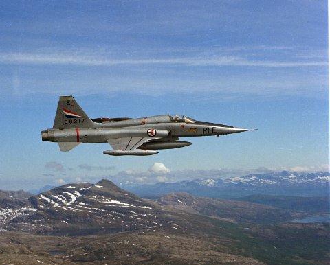 En av Forsvarets F-5 maskiner fotografert sommeren 1978. Bilde fra Forsvarets arkiver.