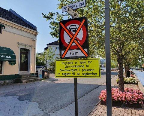 TIL 20.SEPTEMBER: Frem til 20.september har man lov til å kjøre inn Fergegata og gjennom Skomværgata.