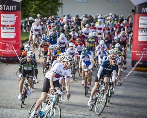 STARTEN: Søndag er det igjen klart for sykkelrittet Nordhordland Rundt.Arkivfoto: Morten Sæle