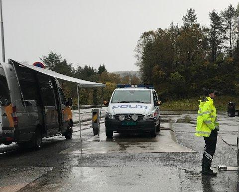 Overvekt på 1,4 tonn på ein flyttebil var det mest graverande tilfellet då Statens vegvesen hadde kontroll på fylkesveg 57 ved Marås forrige tysdag.