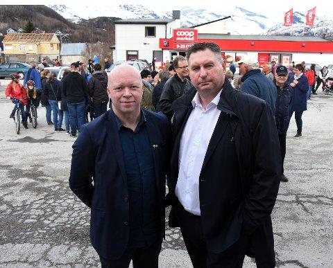 Forhandle: Ordførerne Tor Asgeir Johansen (t.v.) og Rune Edvardsen vil forhandle om den vedtatte grensen  for deling av Tysfjord med sikte på å få den endret.