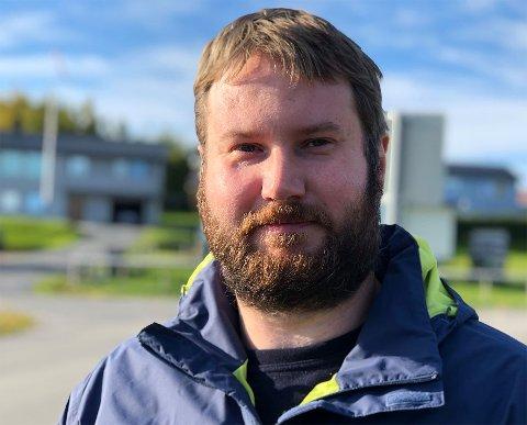 Hastesak: Keith Brian Berg mener det haster med å skaffe flere sykehjemsplasser i Hamarøy. Han vil vite om det er mulig å foreta ombygginger på sykehjemmet på Oppeid for å få tilbake tidligere pasientrom som nå blir brukt til kontorer.