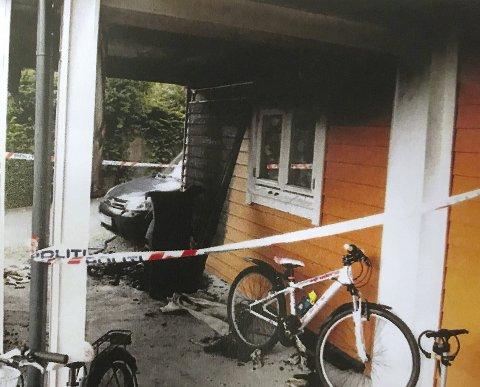 I dette bolighuset i Nordhordland lå flere barn og voksne og sov.