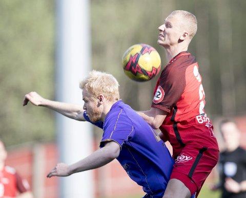 Kristoffer Barmen, her i cupkampen mot FKF 9. mai,  har stått over de to siste Brann-kampene med vond nakke. Det er noe han har slitt med siden han landet stygt på hodet i en kamp mot Haugesund i 2014.