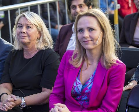 Kommunal- og moderniseringsminister Monica Mæland (H) og barne- og likestillingsminister Linda Hofstad Helleland (H). Arkivfoto.