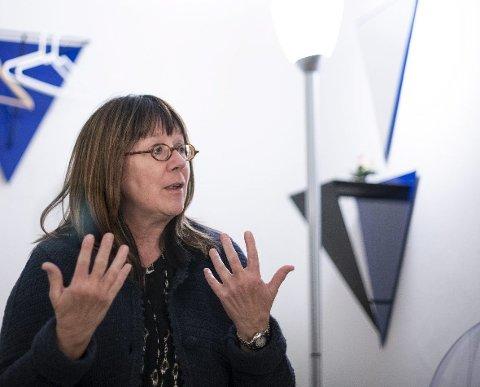 Tar imot norske kvinner: Overlege Lillian Skibsted fortel at norske kvinner er frustrerte over dei strenge reglane i heimlandet.