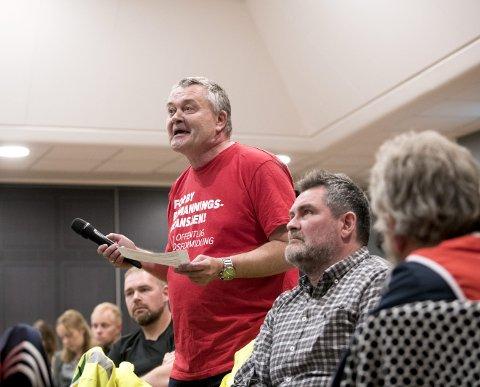 VITNESBYRD: – Rødt tar arbeidsfolk på alvor, sier Atle Wedaa (62). Den mangeårige faglige tillitsvalgte har gått ut fra Ap og har stemt Rød i år. Men medlem har han ikke blitt. FOTO: SKJALG EKELAND