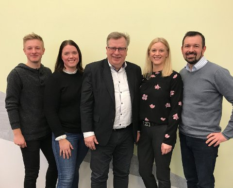 Atle Hamar, ordførarkandidat, Gunn Merete Paulsen, andrekandidat, Åge Avedal, tredjekandidat, Elisabet Kjerstad Bøe, fjerdekandidat, Elias Slåtten, femtekandidat og ungdomskandidat
