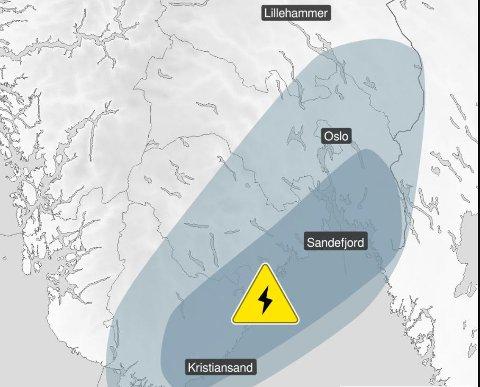 Slik ser varselet ut for Østlandet i kveld. Men meteorologene er svært usikre på hvor det heftigste lyn- og tordenværet treffer.