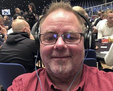 FORSVARER TITTELEN: Geir Michelsen fra Sør-Odal ble pokermester i Coolbets kommunepoker i sin kommune i fjor. Til helga satser han på å forsvare tittelen.
