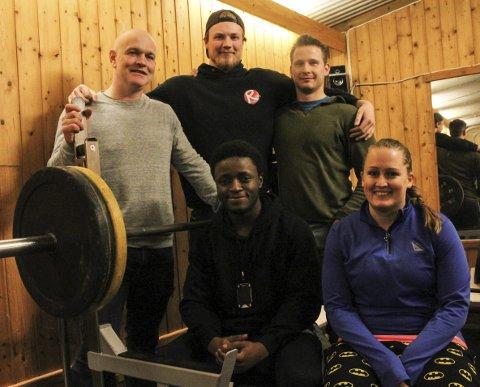 Mange av Halden Styrkeidrettslag sine medlemmer fikk prestasjonsmerker under årsmøtet. På bildet: Øyvind Sannerød, Johan Andreas Andersson, Kjetil Pedersen Mölleropp, Germe Wimpaye og Terese Nilsen fikk prestasjonsmerker.
