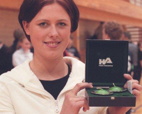 TOPPSCORER: Nina Staal fikk HAs scoringstrofé i 1999. 21 år senere ser hun tilbake på en flott håndballkarriere, og har på oppdrag fra HA plukket ut sitt drømmelag.