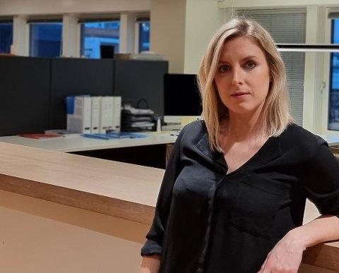 HELDIG MED TIMINGEN: Stine Tvilum Mills (37) bodde i Oslo, men kjente det var på tide med forandring. Nå er hun på plass i ny jobb i Haugesund.