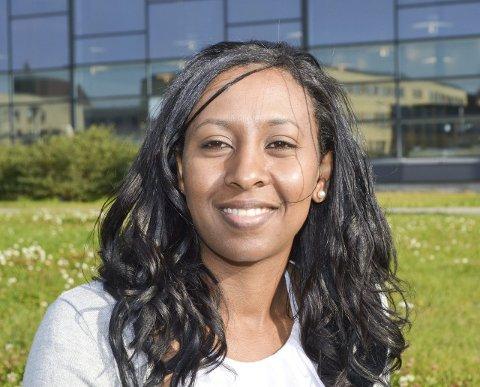 HISTORIEKLAR: Makda Haile Sibhatu skriver gjerne historie i Vadsø-politikken. Om velgerne vil, blir hun den første afrikanske kvinnen i kommunestyret i Vadsø. Foran valget står hun på sjetteplass på KrFs liste. Det kan fort ende med opprykk.