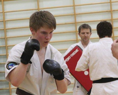 VM-SUKSESS: David Vorren slo godt fra seg under karate-VM for juniorer i mars i fjor. Vadsø-talentet kom hjem med bronsemedalje,