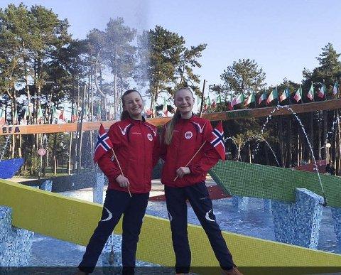 Fikk gode tilbakemeldinger: Mathea Pedersen og Vilde Ekrem Pedersen deltok under EM i twirling i Italia i påsken. Det ble en stor opplevelse med gode tilbakemeldinger fra dommerne.Alle foto: Privat