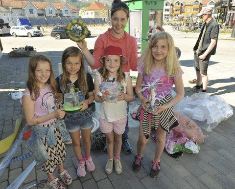 Kabelvåg Klima Kult: Miljødetektivene Nathalie (10), Lovna (9), Alva (9), Ella (10) og Kaja (14) syntes det å lage plastkunst var skikkelig gøy. De reagerer på at det er utrolig mye plast i naturen, og hjemme i husholdningene anno 2016.  Foto: Knut Johansen
