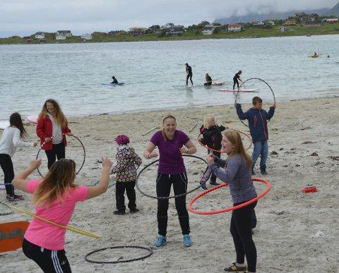 Populært: Det var ingen tvil om at deltakerne koste seg under «Gøy på stranda» i fjor. I år håper arrangøren at enda flere kommer på festivalen som går av stabelen neste helt.