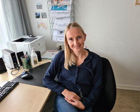 LAMBERSETER SKOLE: Ruth-Eline Syvertsen har vært sykepleier i 15 år, og jobbet syv år som spesialsykepleier for barn. Nå er hun helsesykepleier på andre året.