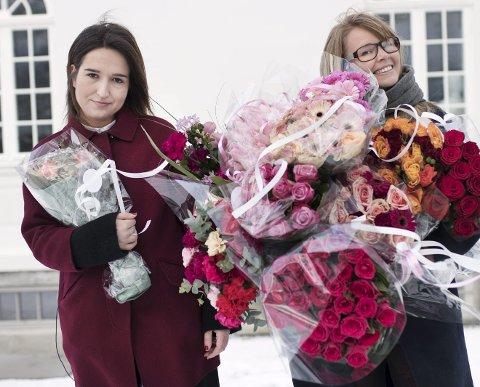 I SVING: Adelina Ibishi (til venstre) og Vida Lill Berge leder det nye programmet på P3. FOTO: Eirik Stokstad Brødholt/NRK