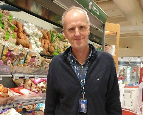 SER FRAM TIL Å ÅPNE: Driftsleder Tommy Moholt i Coop Øst gleder seg til butikkåpning på Nes i Ådal i mars.