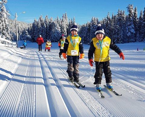 FLOTTE FORHOLD: Strålende vær og fantastiske skiforhold på avslutningen av årets skiskole i regi av Skiforeningen.