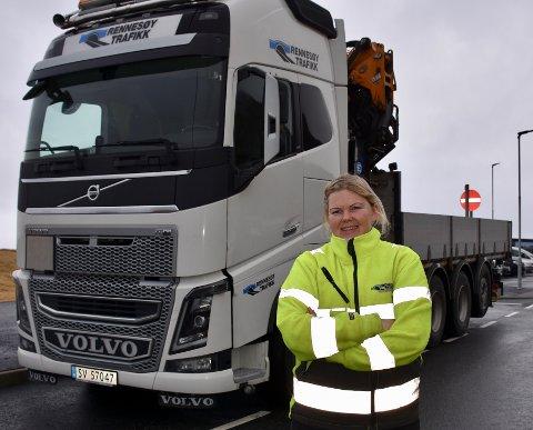 TOK FAGBREV: Kirsten Elizabeth Elmblad Frafjord (40) bestemte meg for å ta fagbrev som yrkessjåfør for å øke kompetansen både for egen del og for yrket generelt.