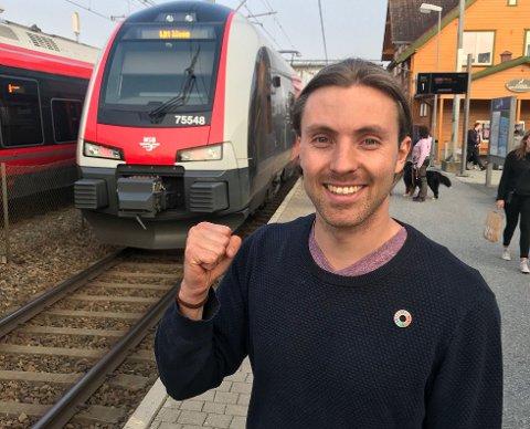 VIL IKKE HA FLERE BILER I SENTRUM: Martin Løken 1. kandidat for MDG i Ås kommune.